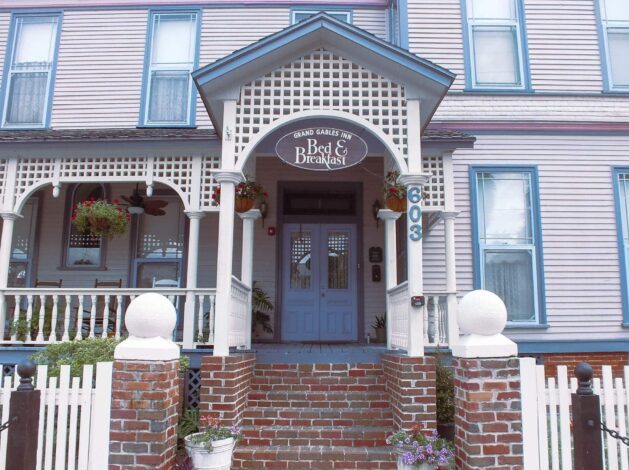 Rent Entire Inn 5 per night, Grand Gables Inn